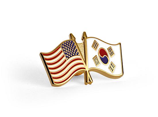 u s korean flag lapel pin